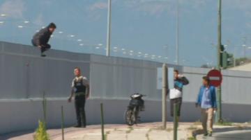 Гръцките власти предупреждават: Мигранти атакуват камионите на пристанище Патра