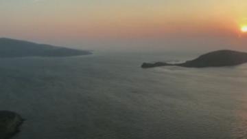 Мигранти изчезнаха в Егейско море, след като лодката им се преобърнала