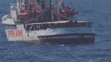 Италия нареди задържането на кораба с мигранти Оупън армс