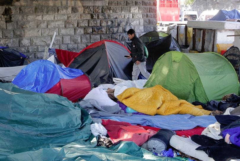 франция ускорява депортирането нелегални имигранти