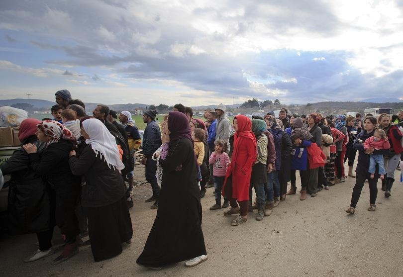 Гърция спря депортацията на мигранти в Турция