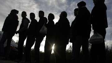 Хванаха 119 нелегални имигранти край Лесичово и Калугерово