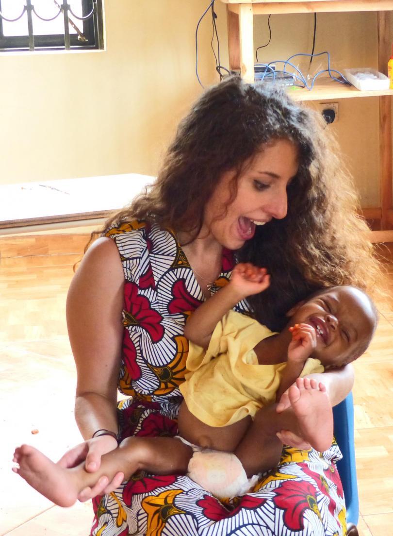 снимка 1 Михаела Стойкова, доброволец в Африка: Не всички африкански държави са опасни