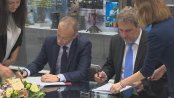 Министрите Банов и Вълчев със споразумение за сътрудничество между институциите