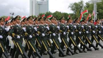 Китайски войници участваха в парада за националния празник на Беларус (СНИМКИ)