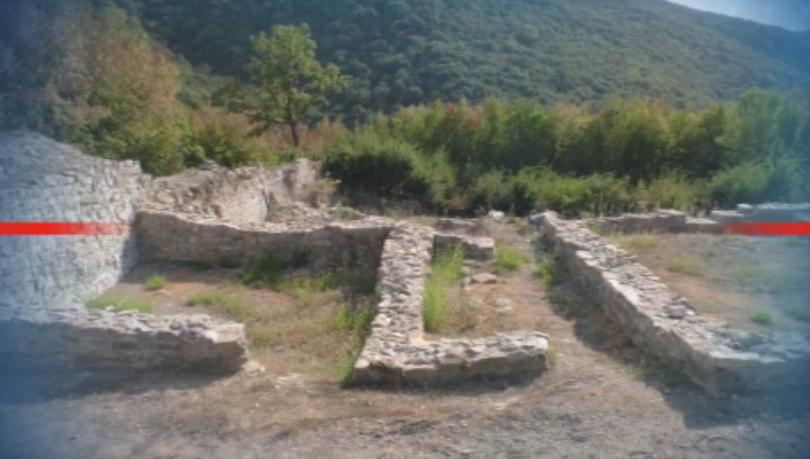 Министър Ангелкова посети разкопките на крепостта Мисионис
