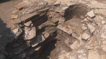 Иманяри разбиха баптистерията в епископската базилика в древния град Мисионис