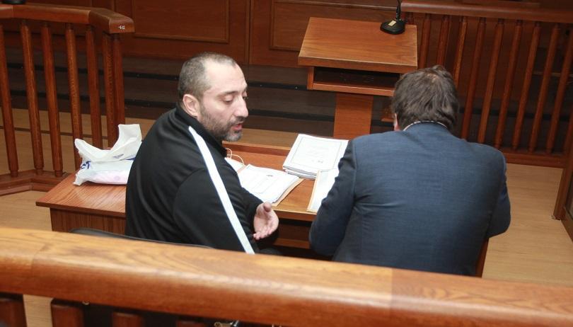 Снимка: Митьо Очите пред съда: Отидох на лекар в Турция, там съм опериран