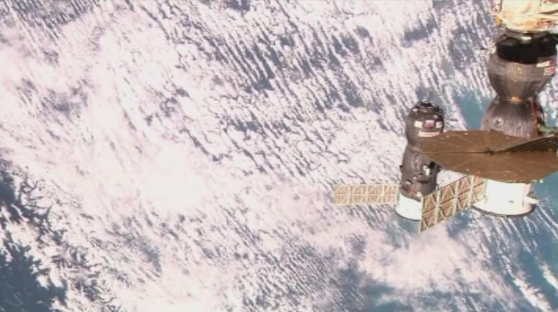 """Космическият кораб """"Союз МС-14"""" с хуманоидния робот Фьодор на борда"""