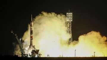 Изстреляха успешно космическия кораб Съюз МС-12 с новия екипаж на МКС