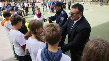 """Над 3000 деца се включват в програмата на МВР """"Детско полицейско управление"""""""