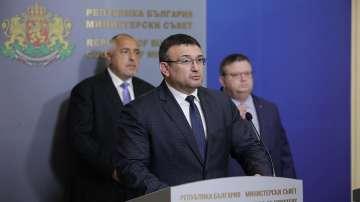 Младен Маринов коментира случая с нападнатия полицай в Сливен