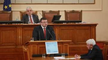 Младен Маринов: Подсилили сме границите с допълнителни патрули