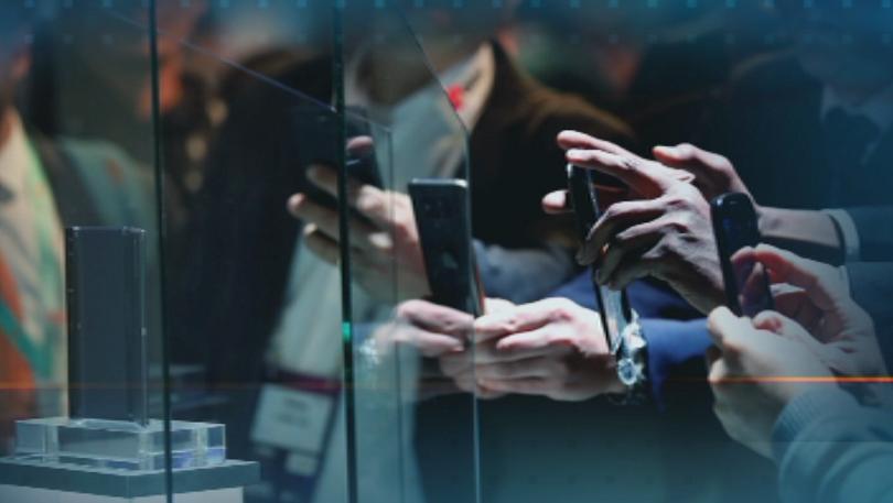 Снимка: Световен конгрес на мобилните устройства показва смартфоните на бъдещето