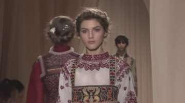 Има ли място фолклорът на световната модна сцена?