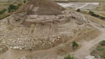 """""""Пътуване в миналото"""" до праисторическата могила в Провадия"""
