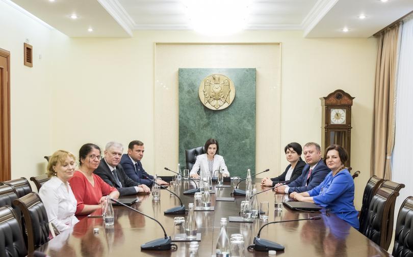 Правителството на Молдова на премиера Мая Санду се събра на