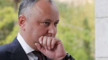 Президентът на Молдова присъства на богослужение след катастрофата с кортежа му
