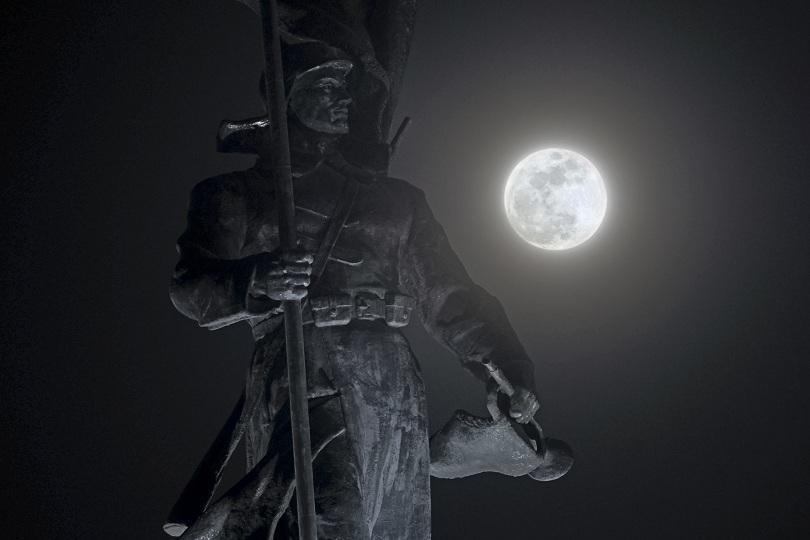 """снимка 7 Феноменът """"Супер синя кървава Луна"""" в снимки"""