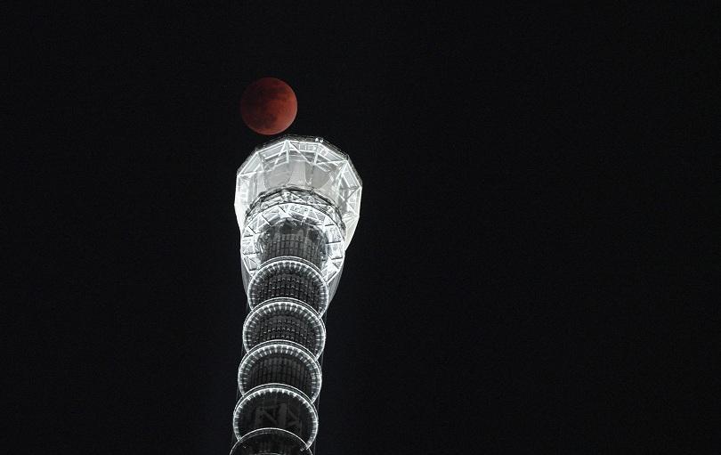 """снимка 10 Феноменът """"Супер синя кървава Луна"""" в снимки"""