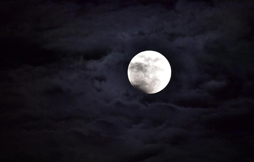 """снимка 5 Феноменът """"Супер синя кървава Луна"""" в снимки"""