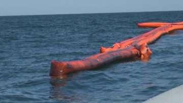 """Четвърти ден водолазните екипи не могат да започнат източването на """"Мопанг"""""""