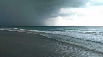 Лошото време не пречи на почиващите във Варна