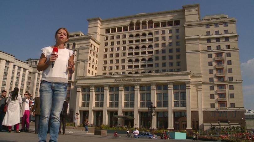 """Според градската легенда, строителите на хотел """"Москва"""", сега под името """"Четири сезона"""", въплътили в архитектурата и двата проекта, представени пред Сталин"""
