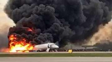 Откриха черните кутии на подпалилия се в Москва самолет
