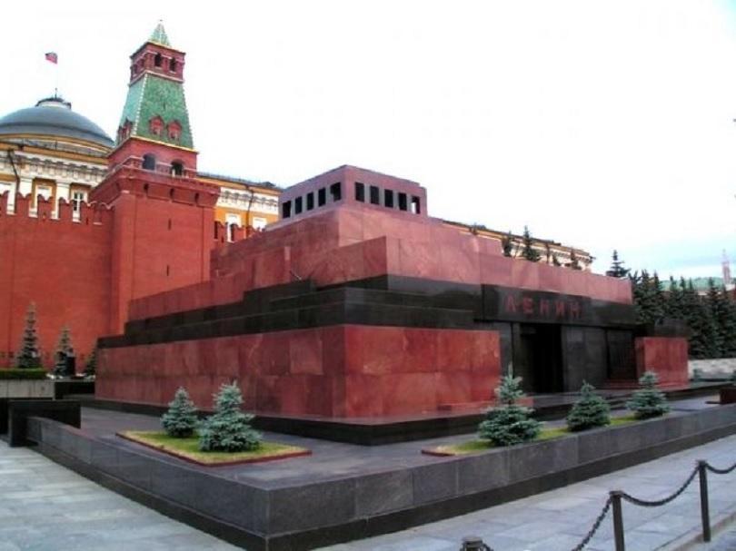мавзолеят ленин затваря врати поради планирани профилактични дейности