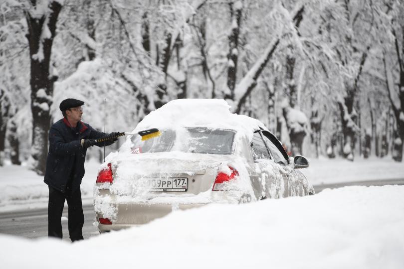 снимка 3 Сняг и студ сковаха Русия (СНИМКИ / ВИДЕО)