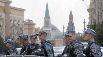 Стотици арестувани по време на протести в Москва