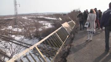Спряха влаковете по линията Шумен - София заради повреден мост