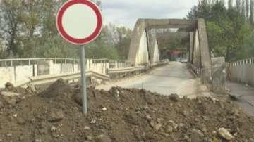 Остава в сила частичното бедствено положение в Червен бряг заради затворен мост