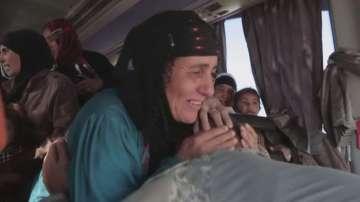 Трогателна среща: Иракски войник намери майка си след дълга раздяла в Мосул