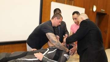 Лекари от ВМА с урок за мотористи как да спасяват ранени на пътя
