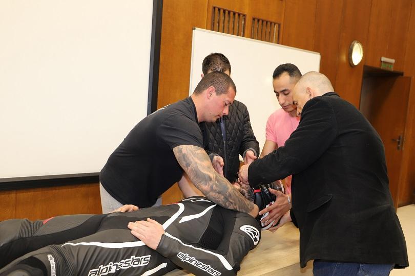 лекари вма урок мотористи спасяват ранени пътя