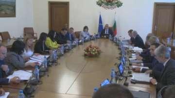 Да бъдат изплатени заплатите във Врачанската болница, призова премиерът Борисов