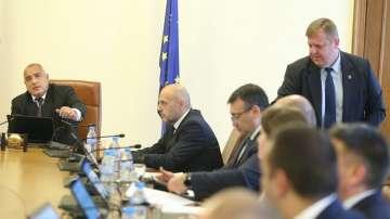 Правителството стартира процедура по ратификация на договорите за Ф-16