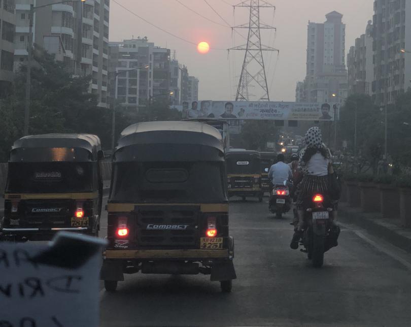 снимка 10 Отвъд границите: Как един индийски блокбъстър може да преобърне живота ти...