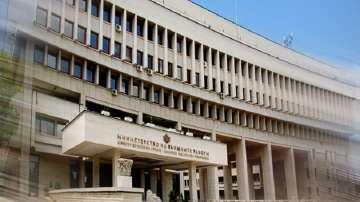 МВнР: Руски дипломат е персона нон грата, а служител на посолството - неприемлив