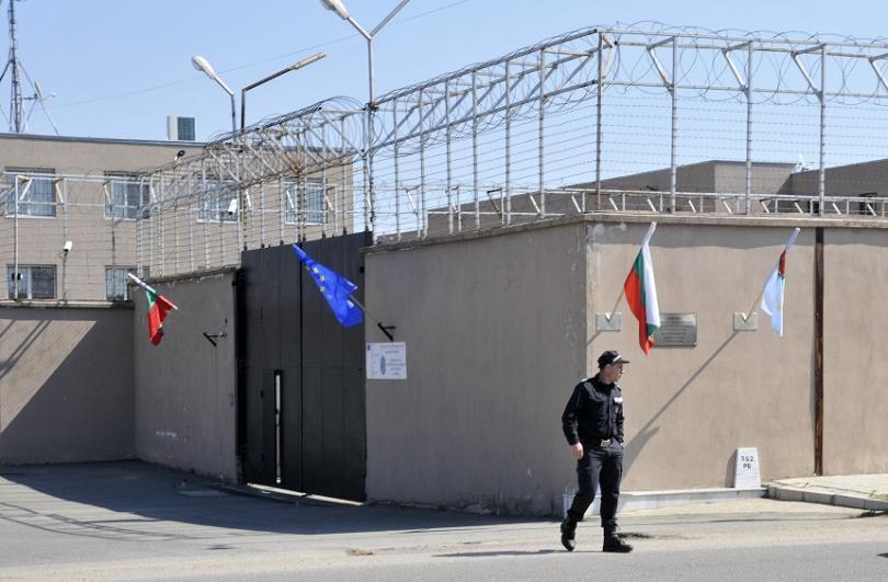 МВР няма да строи нови бежански лагери в България. Това