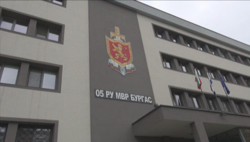 Арестантът, който удари с метла охраняващия го полицай в Бургас