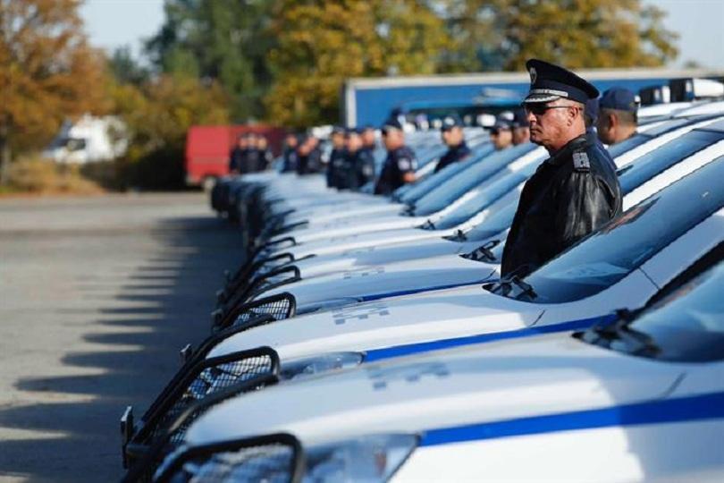 Ръководството на МВР връчи 341 нови служебни автомобила