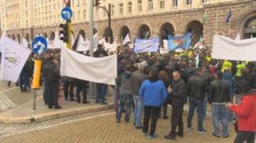 Надзиратели от цялата страна отново излязоха на протест