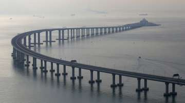 Използваха 400 000 тона стомана за най-дългия мост в света
