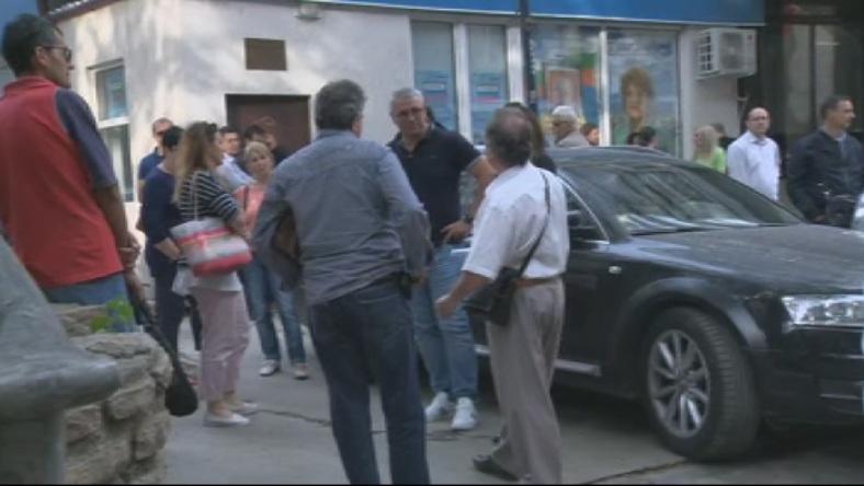 Според синдикатите и протестиращите недоволството продължава заради отказа на изпълнителния
