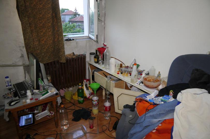 снимка 3 ГДБОП разби две наркогрупи, шестима са арестувани