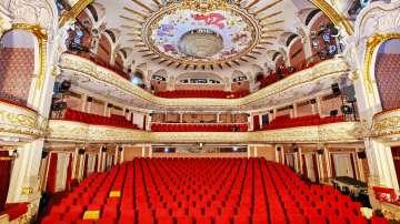 Народният театър започва сезона с водосвет и две премиери през септември