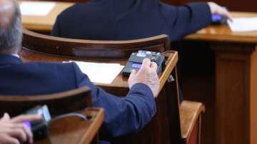 НС гласува оставката на Порожанов, избра Десислава Танева за земеделски министър